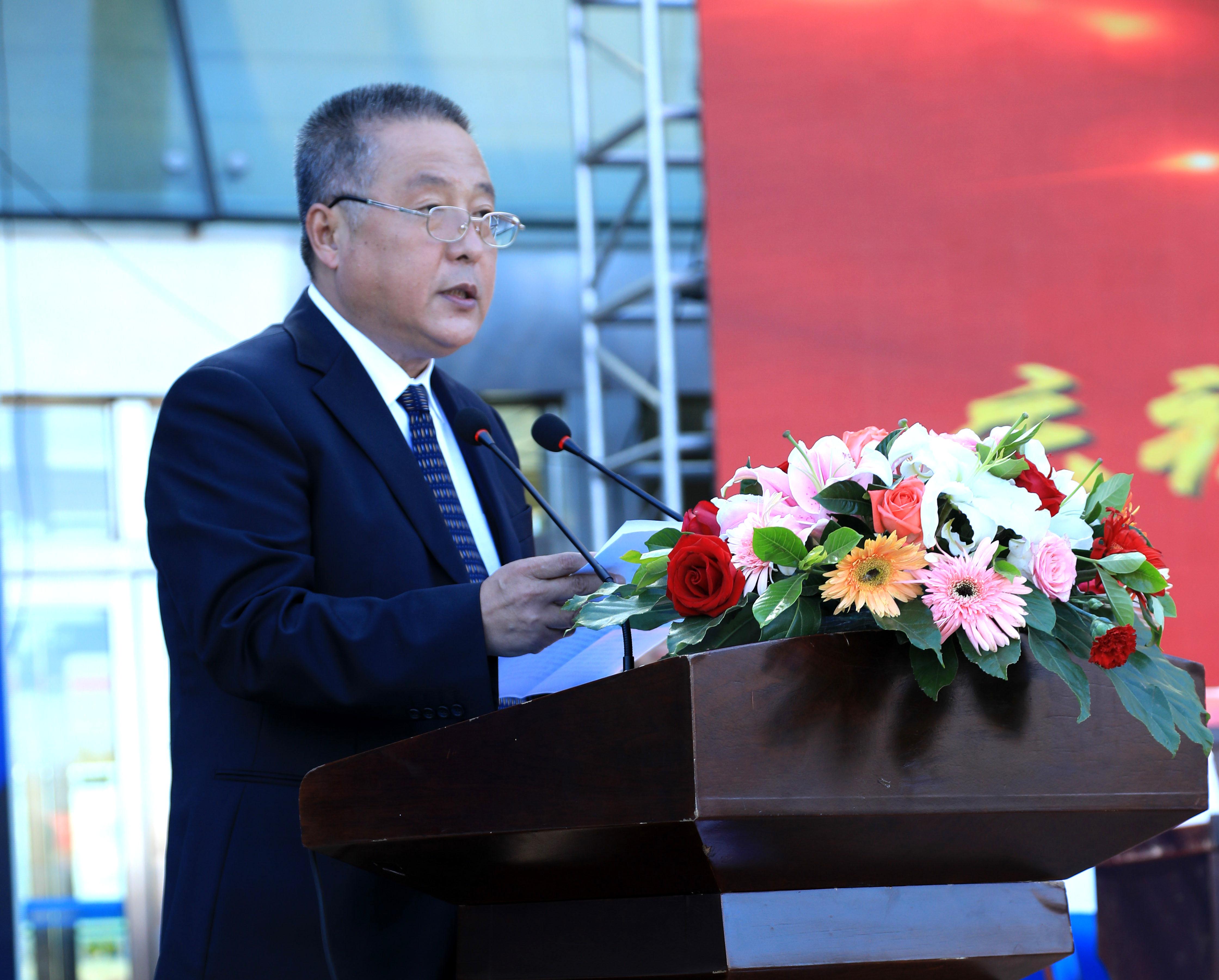 东北农业大学党委书记孙登林代表兄弟院校致辞